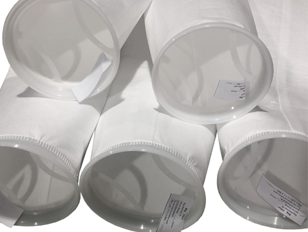 What is the maximum temperature that the 25 micron filter bags can withstand?